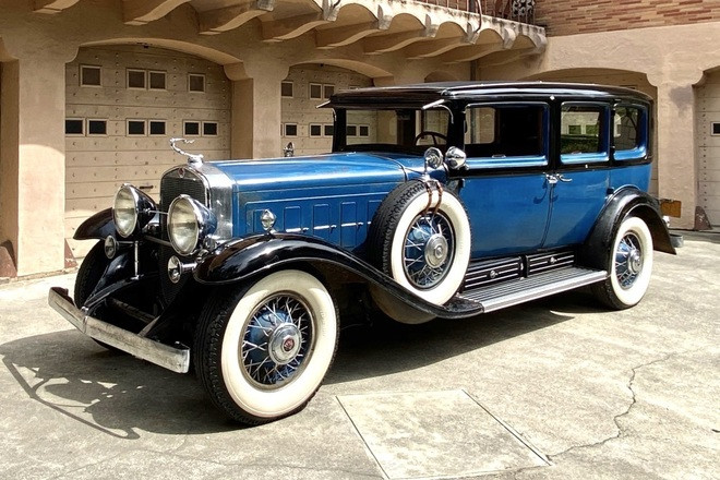 1931 Cadillac V-16 Imperial Limousine Hire CA