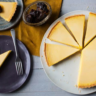 Baked vanilla tart with Earl Grey prunes.