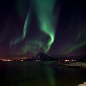Aurora borealis by Yvonne Reinholdtsen - Novices Only Landscapes