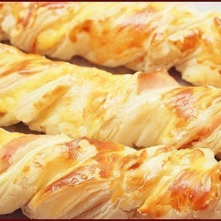 Puff Braids With Chicken And Cheese