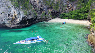Phi Phi Island Speed Boat Tour by Sea Eagle from Krabi mainland