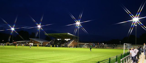 Photo: 16/08/11 v Oxford City (Southern League Premier Div) 6-0 - contributed by Paul Roth