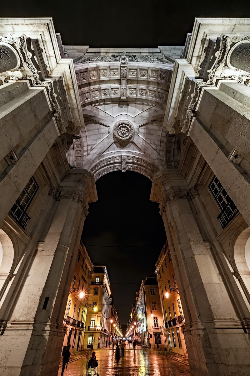 Arco e freccia. di Damiano Tomasin