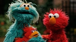 Elmo Finds a Baby Bird
