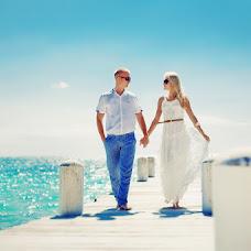 Wedding photographer Tori Tolkacheva (Elina121). Photo of 26.07.2014