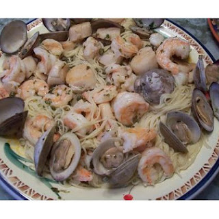 Pasta With Garlic and Clams