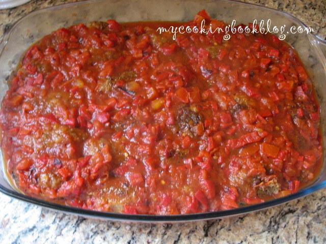 Суджукакия (Σουιζουκάκια) или кюфтета със сос по Гръцки