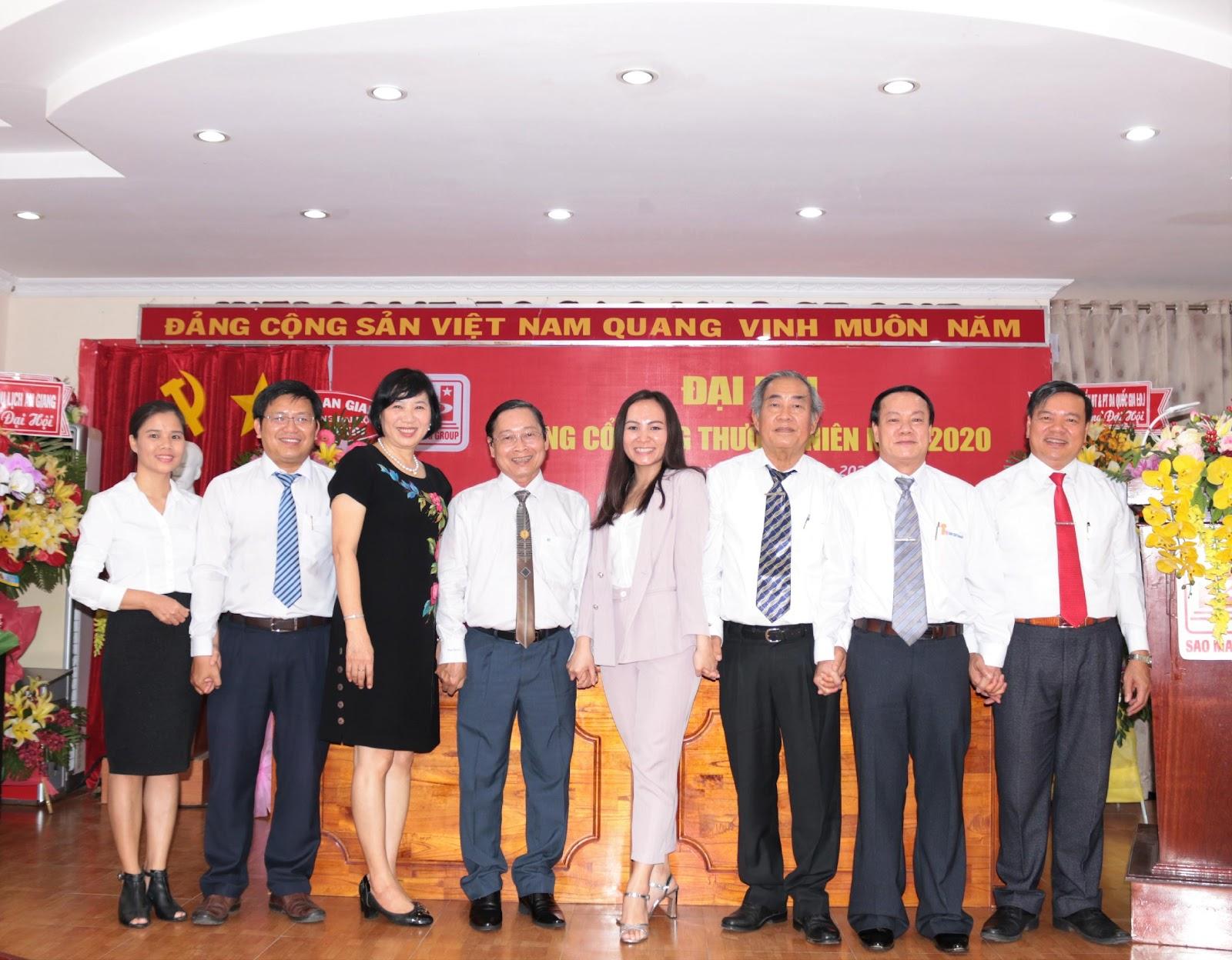 3. Hội đồng quản trị nhiệm kỳ mới ra mắt Đại hội