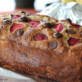 Chocolate Chip-Strawberry-Banana Bread {Bisquick}.