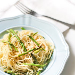 Capellini with Asparagus Tips and Arugula Pesto
