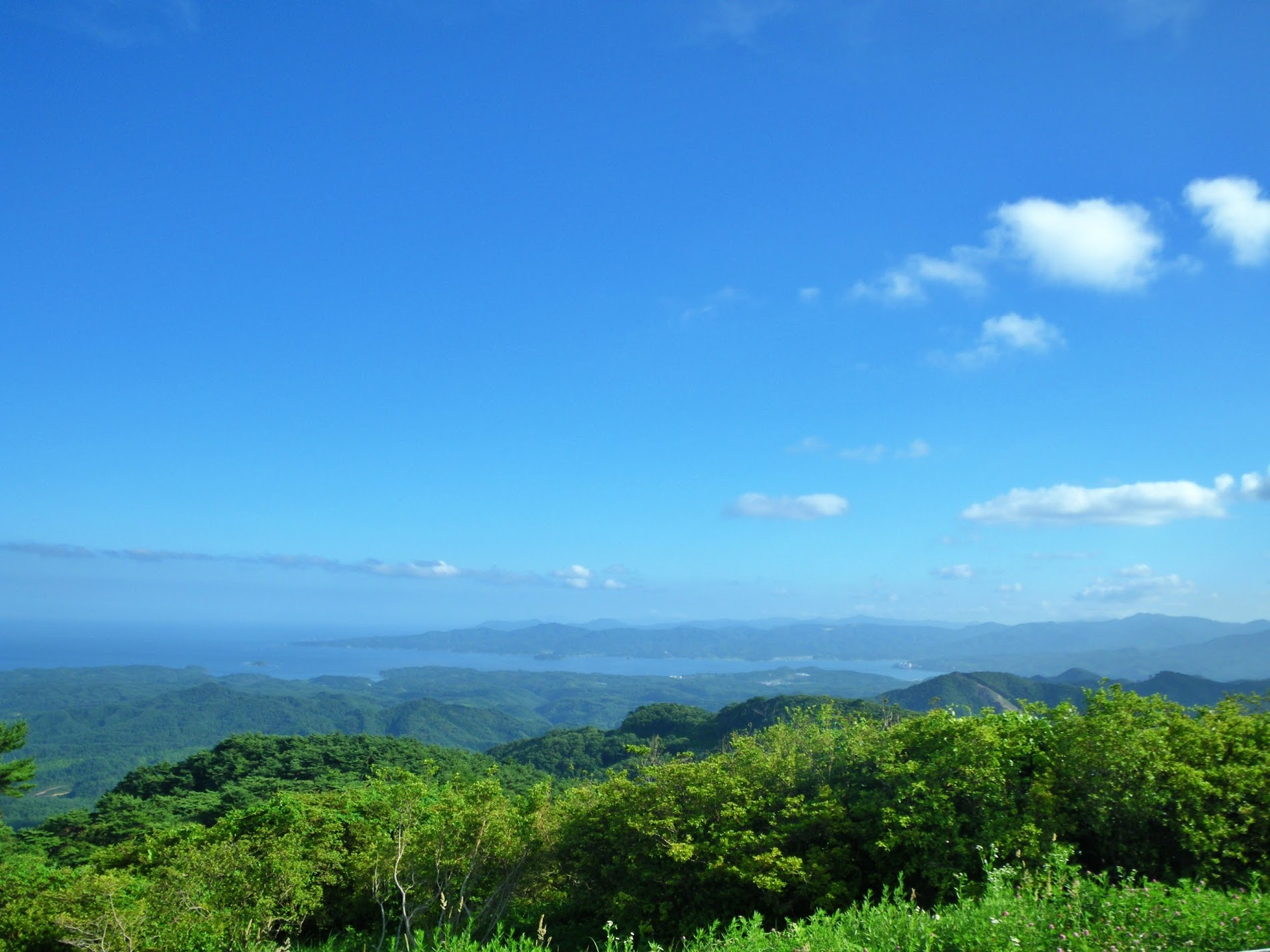 晴れた日の田束山からの眺め