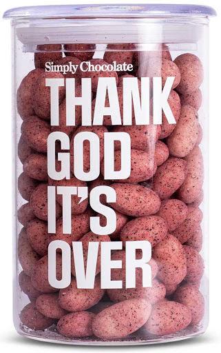 Thank god it´s xmas – Thank god it´s over – Mandlar med vitchoklad och svarta vinbär – Simply Chocolate
