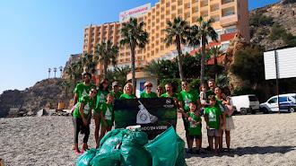 Recogida de residuos por parte de voluntarios de Senator Hotels&Resorts