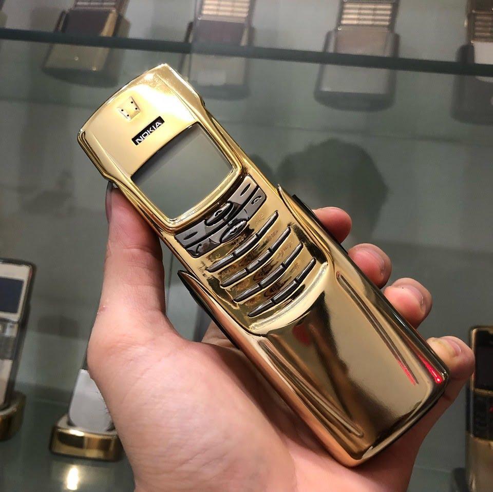 Nhiều khách hàng ưa thích xi mạ vàng máy điện thoại