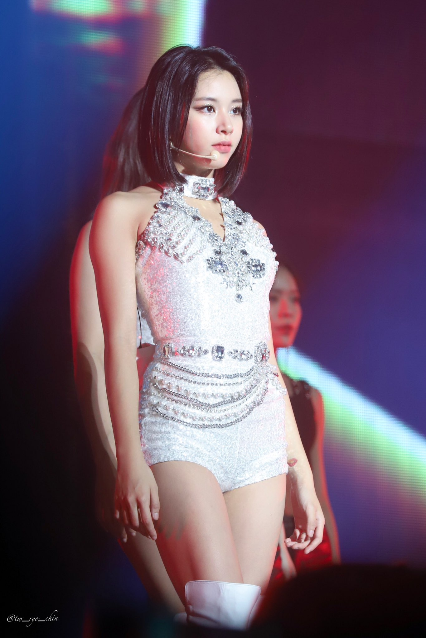 chaeyoung stage 19