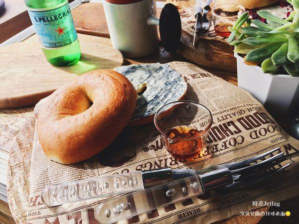 時差Jetlag-靜謐像街角中的韓風網美打卡Café,IG瘋傳大理石紋貝果藏身處,不只中看中拍也能讓你的味蕾感到滿滿幸福的簡約時尚咖啡廳