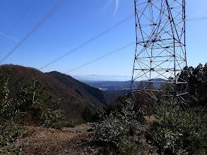 東の鉄塔付近は展望地