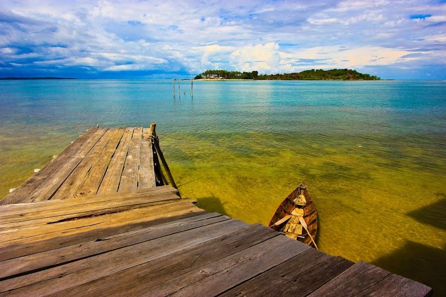 Pelantar  by Demi Nst - Landscapes Waterscapes ( laut, pulau, pelantar, sampan )