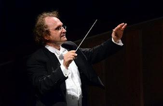 Photo: Stefan Anton RECK, Dirigent der GÖTTERDÄMMERUNG in Bari (Okt. 2011). Zu unserem Bericht von Dr. Klaus Billand. Foto: Carlo Confano