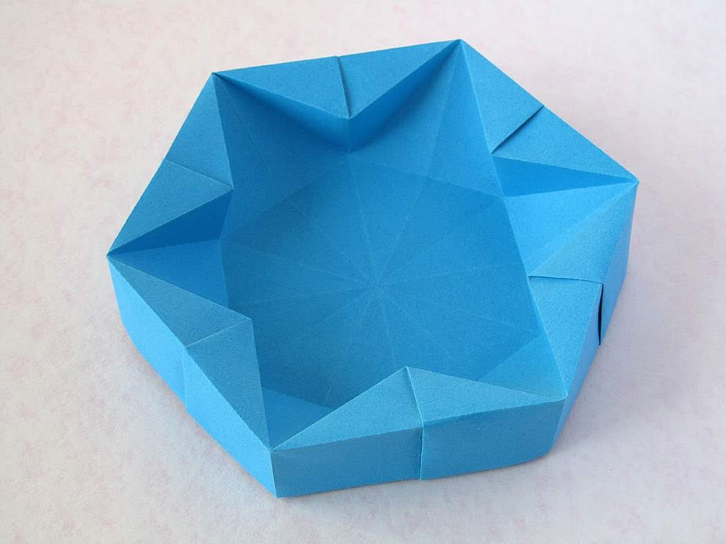 Origami Hexagonal Box by Francesco Guarnieri