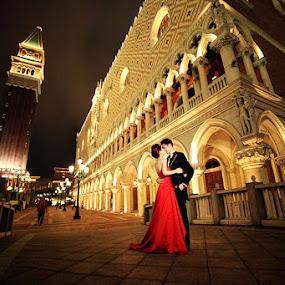 Venetian love  by Russell Baguasan - People Couples