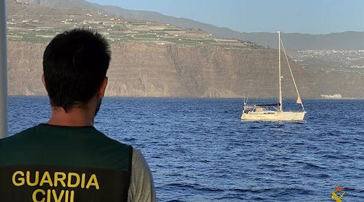 Interceptan un velero con 1.000 kilos de cocaína al que seguían desde Almería