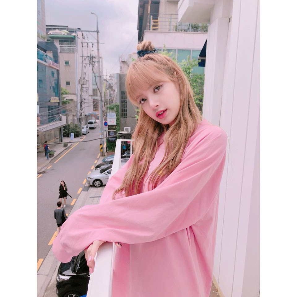 blackpinkrainbow_pink_lisa