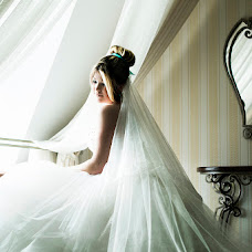 Wedding photographer Natalya Tiunova (NATALITIUNOVA75). Photo of 06.12.2013