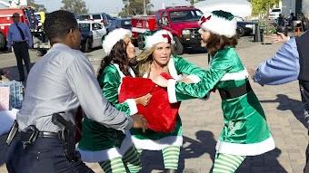 クローザー(吹替版) - 第12話「サンタが市警にやってきた」