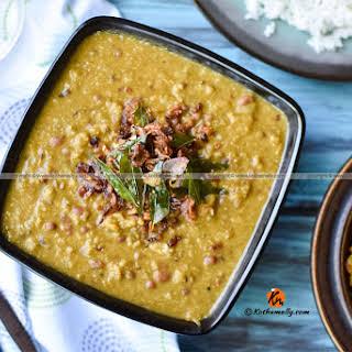 Mathanga Vanpayar Erissery , Pumpkin and Red Cow peas Curry.