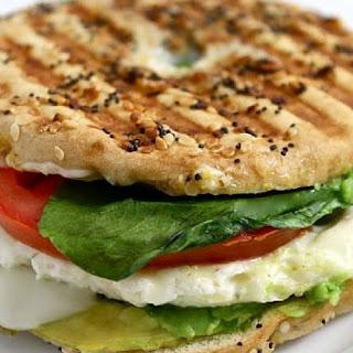 Power Breakfast Sandwich – Egg White, Avocado and Spinach (Panera Copycat)