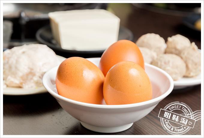 嘉義老牌石頭火鍋雞蛋