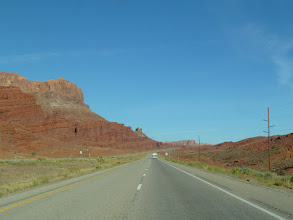 Photo: On quitte MOAB sur la 191 en direction du Nord but: Yellowstone d'ici 2 jours et 900 km