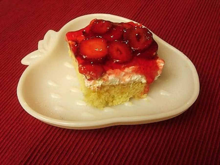 Good Layered Cake Recipes: Strawberry Layered Dessert Recipe