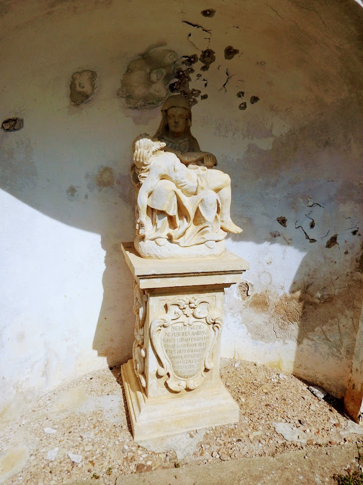 Zsira - Pietà a Salamonfai településrészen