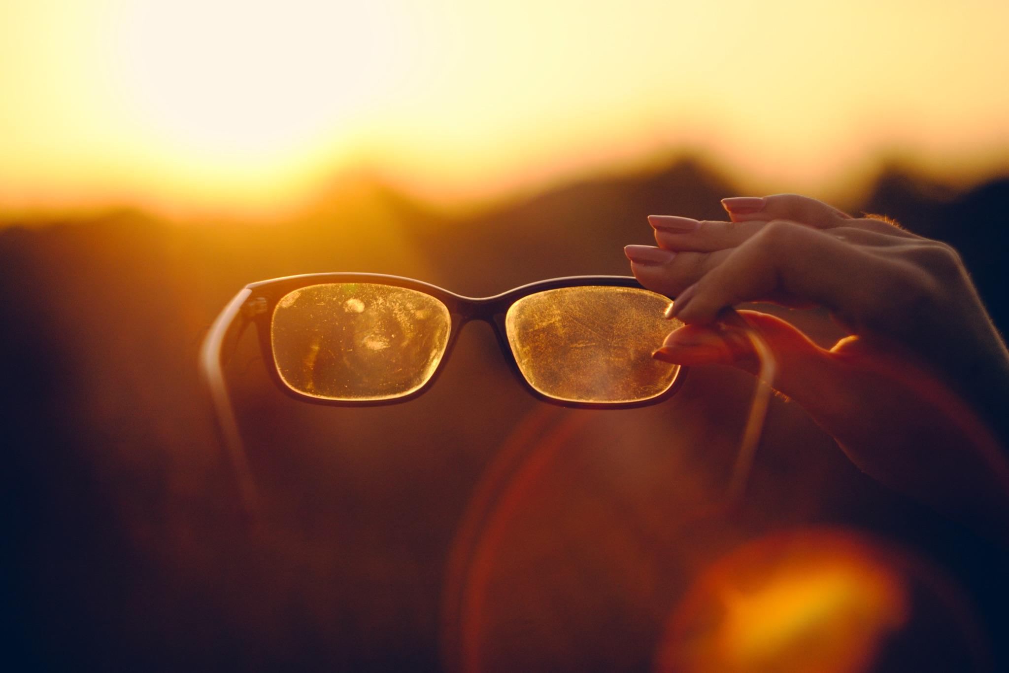 メガネは汚れやすい?