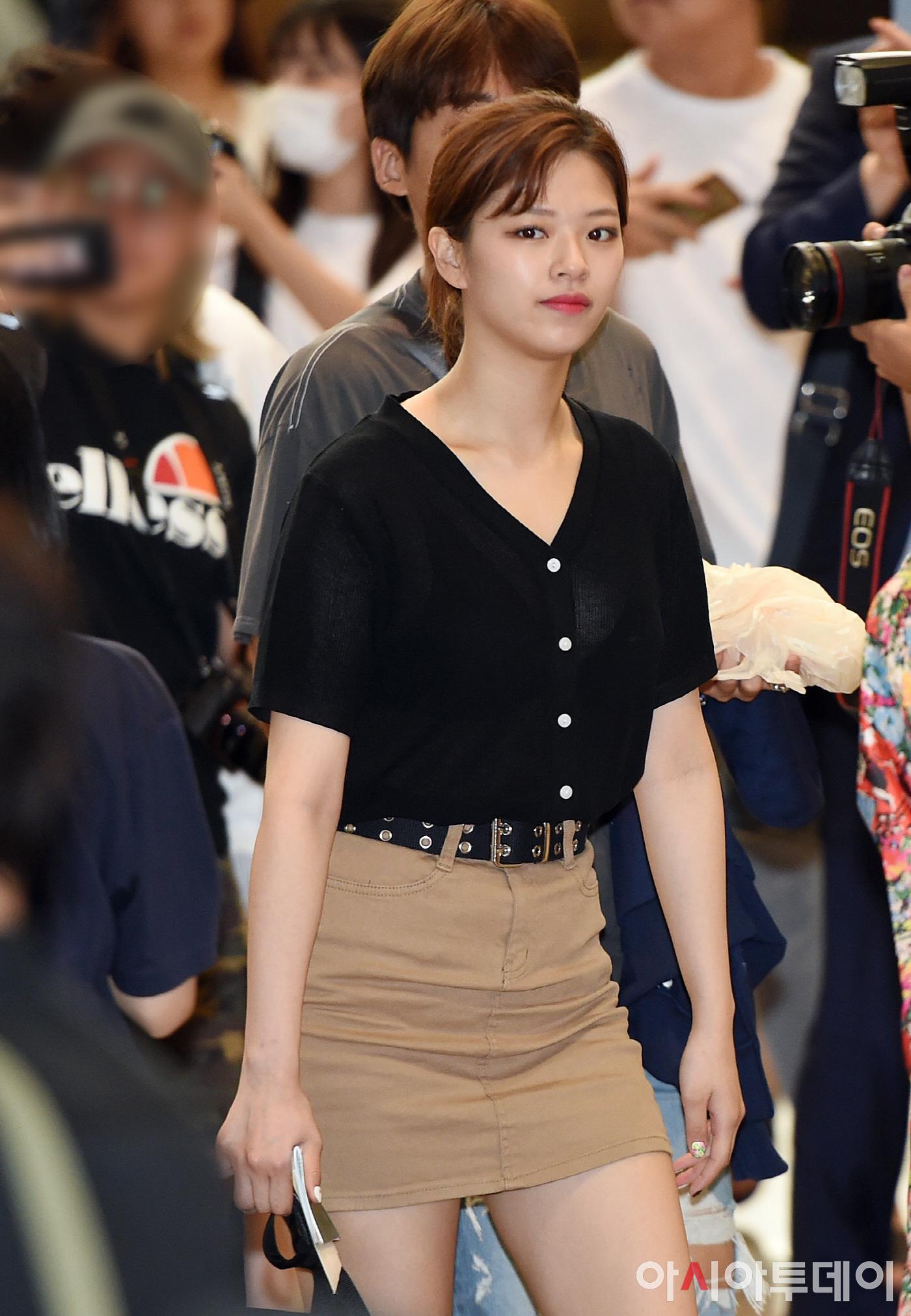 jeongyeon6