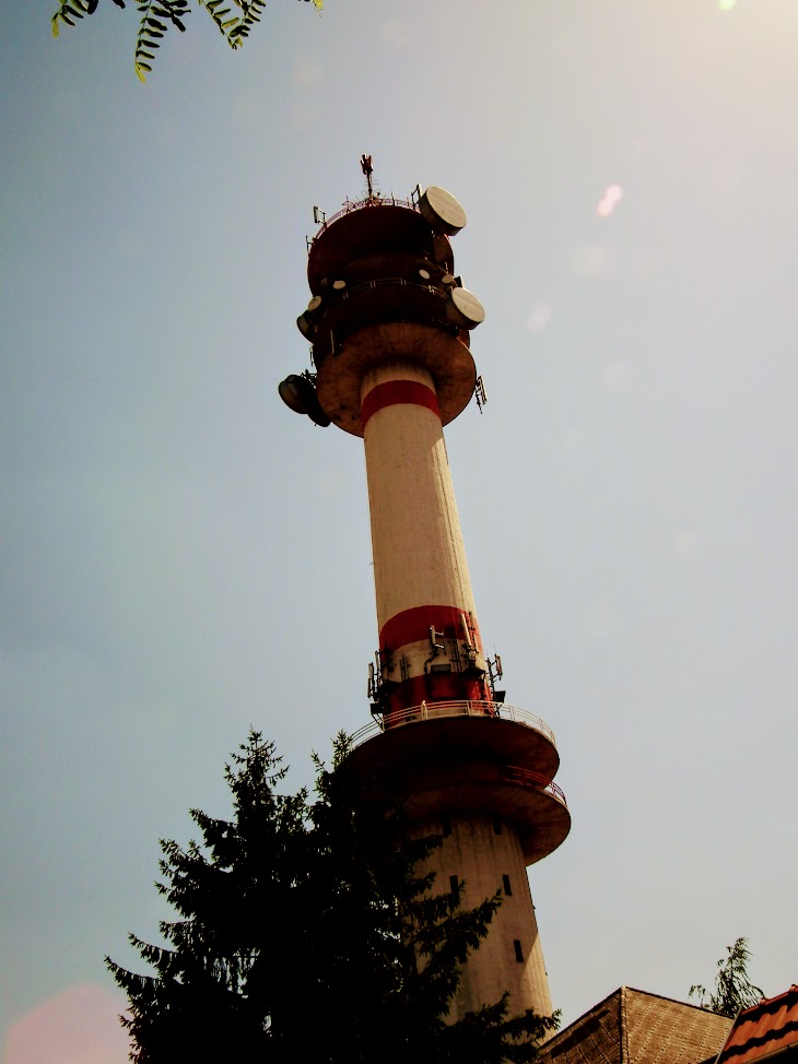 Cegléd/Gubody utca - DVB-T gapfiller+helyi URH-FM adóállomás