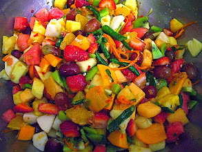 Photo: Northern Thai-style hot-&-sour mixed fruit salad