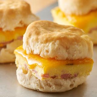 Ham and Cheddar Breakfast Sandwiches Recipe