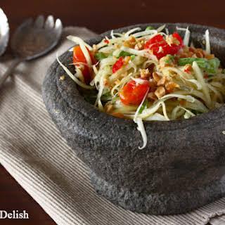 Som Tam (Thai Green Papaya Salad).