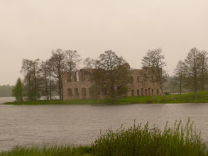 Photo: a castle ruin in Saevsjoe