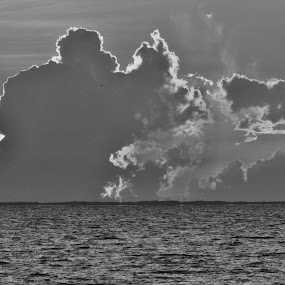 Sunrise in Varadero by Paul Popovici - Black & White Landscapes (  )