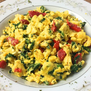 Scrambled Eggs with Spinach, Feta and Roasted Red Peppers Recipe