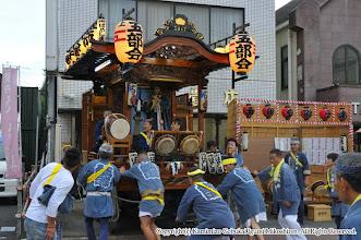 Photo: 【平成23年(2011) 宵宮】  いよいよ平成23年の宵宮がスタート。囃子連本部を出発する。