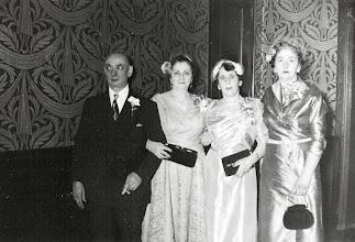 Photo: Carl Braunhart, Anna Braunhart Tulman, Selma Braunhart Gandel and Frieda Braunhart Brunn