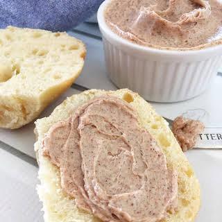 4 Ingredient Cinnamon Honey Butter!.