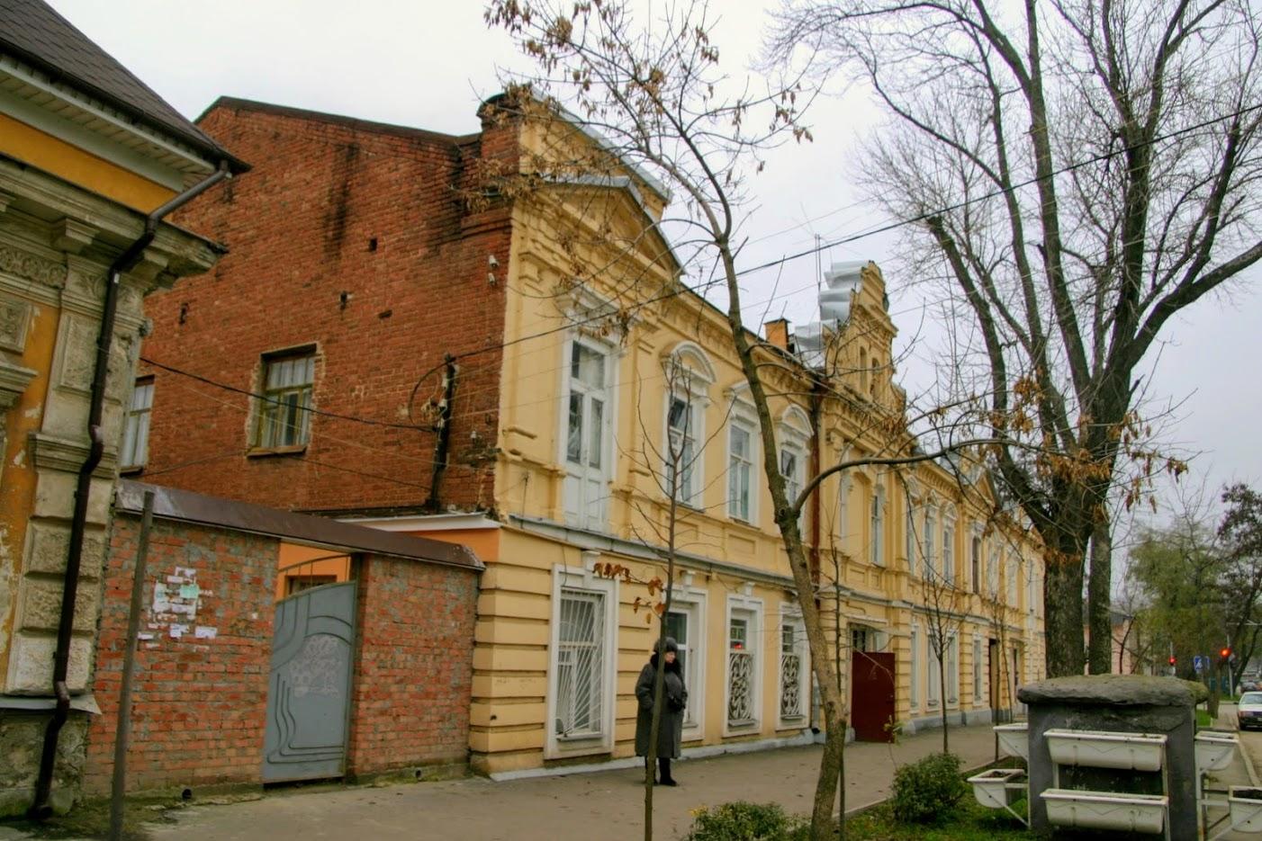 https://sites.google.com/site/istoriceskijtaganrog/cehova-ulica/dom-103