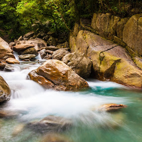 Flowing by Jay Chen - Nature Up Close Water