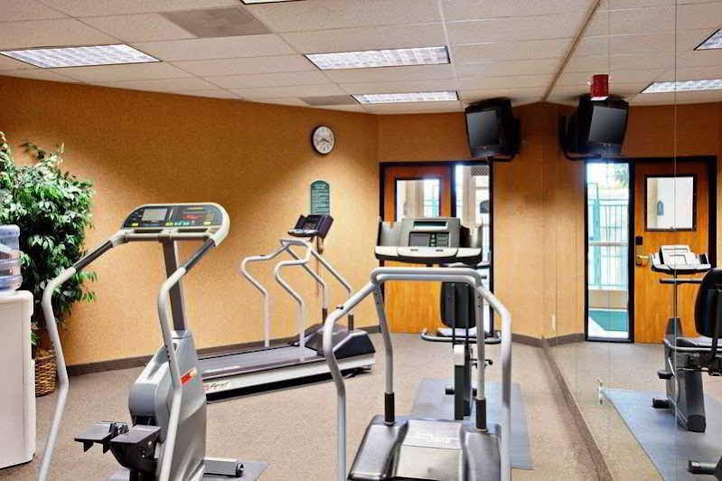 Holiday Inn Express and Suites Elk Grove East